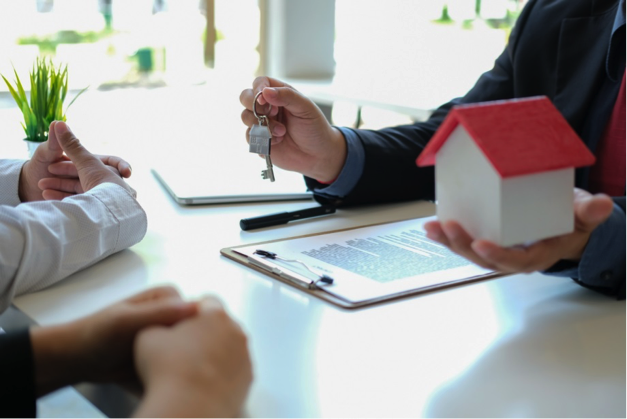 Main advantages of hiring a real estate consultant
